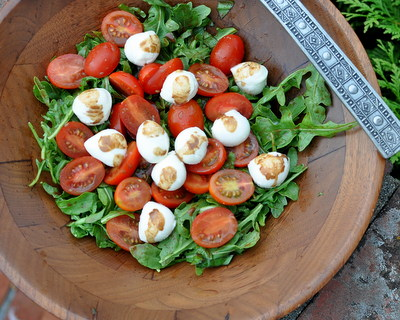 Grape Tomato Caprese Salad with Balsamic Vinaigrette @ AVeggieVenture.com. Low Carb, Gluten Free, Vegetarian, Weight Watchers PointsPlus 3.
