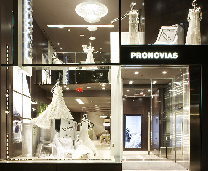 Loja de vestido de noiva Pronovias em Nova York fcab50e2510