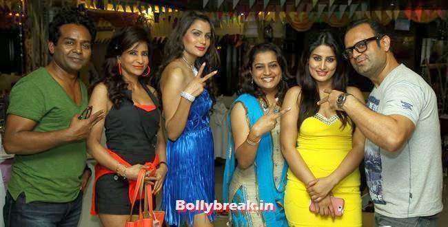 Prashant, Manoj, Girish, Saru, Shamika, Ekta, Arjumman, Tanisha, dj sheizwood and Deepali, BGrade Movie Actresses Celebrate Republic Day at Peninsula Grand