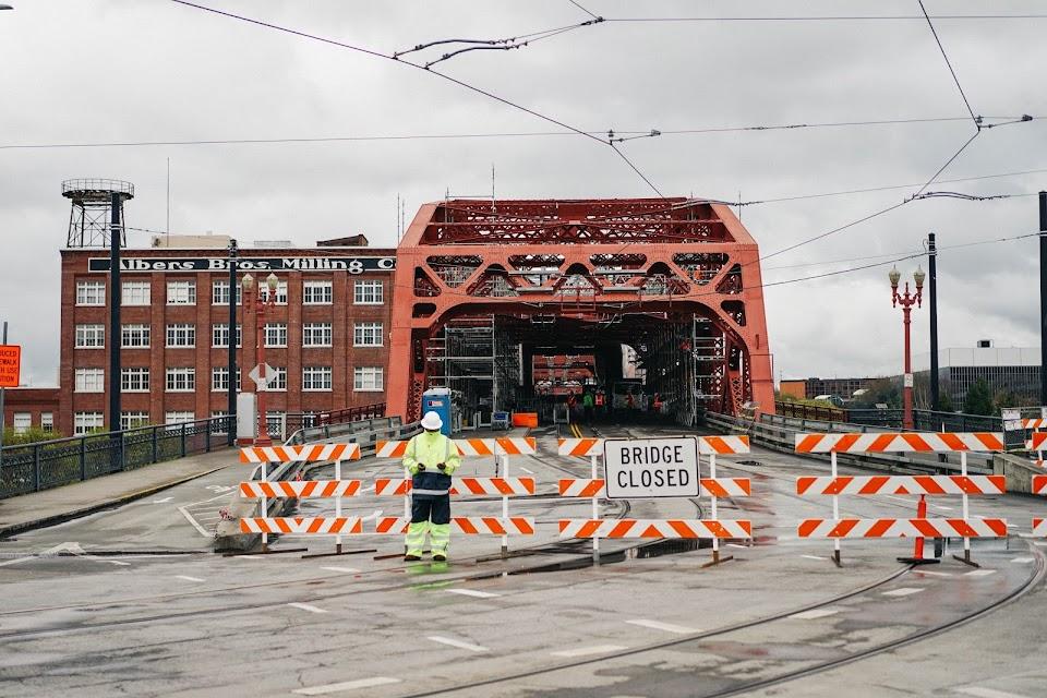 ブロードウェイ橋(Broadway Bridge)