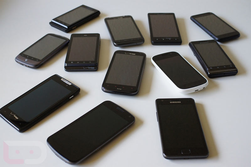 Two Chinese men arrested for selling fake phones in Lagos