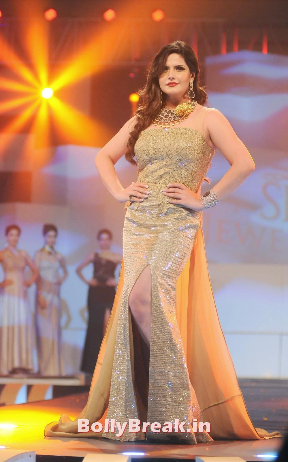 , Zarine Khan in Golden Gown Dress at IBJA Fashion Show