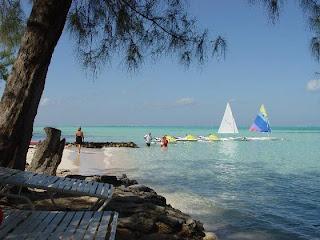 De viajeros por las Islas Cayman 18