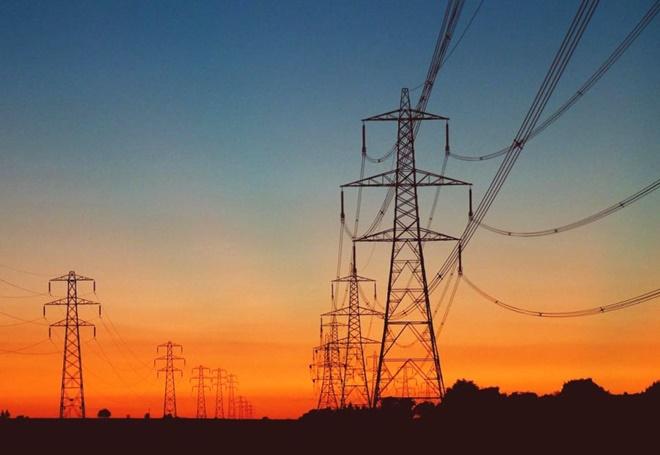 Conta de luz cairá até 20% em abril por cobrança indevida