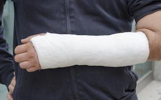 Fratura de mão e punho causam afastamento de trabalho