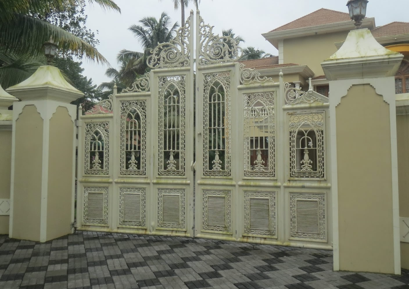 Design of gate of house home gate design modern homes iron main entrance gate designs
