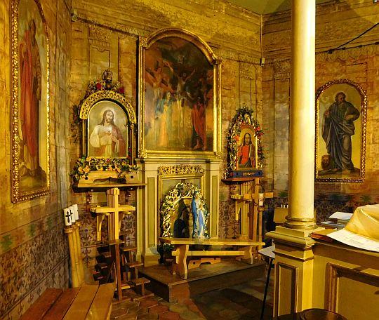 Tylna ściana w prezbiterium