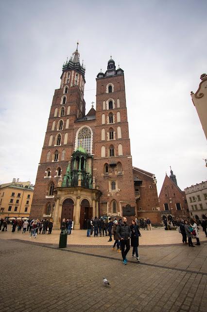 Basilica di Santa Maria-Rynek Glowny
