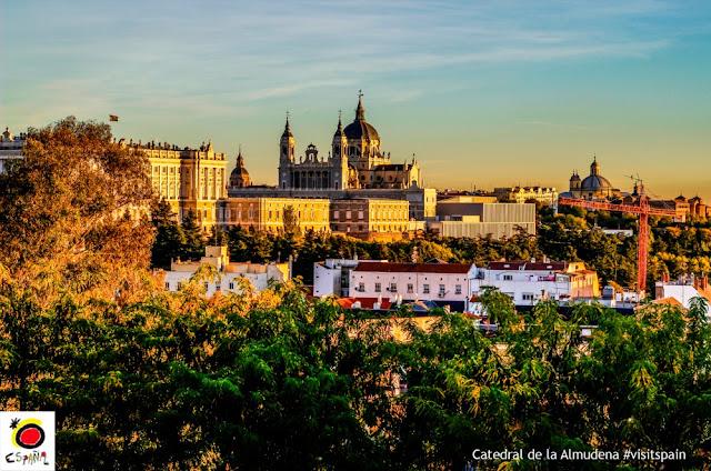 Um passeio por Madri - Catedral de Almudena e Palacio Real