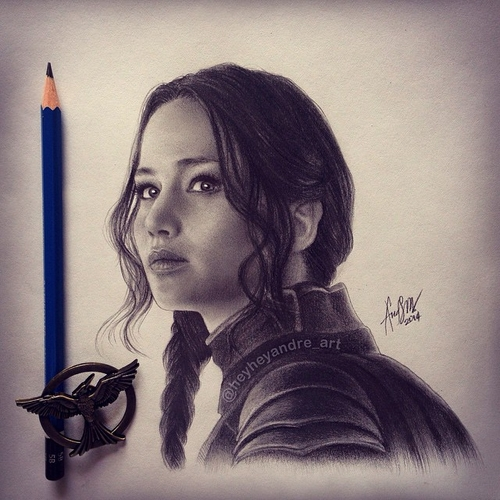 07-Jennifer-Lawrence-Katniss-Everdeen-thg-André-Manguba-Celebrities-Drawn-and-Colored-in-with-Pencils-www-designstack-co