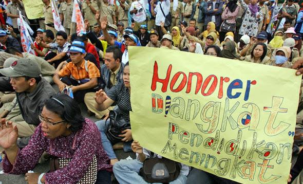 4 Tahun Tak Ada Perubahan, Honorer K2 Ingin Presiden Baru