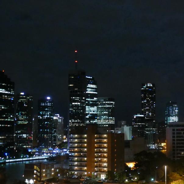 Brisbane River Skyline Hochhäuser Nacht Lichter