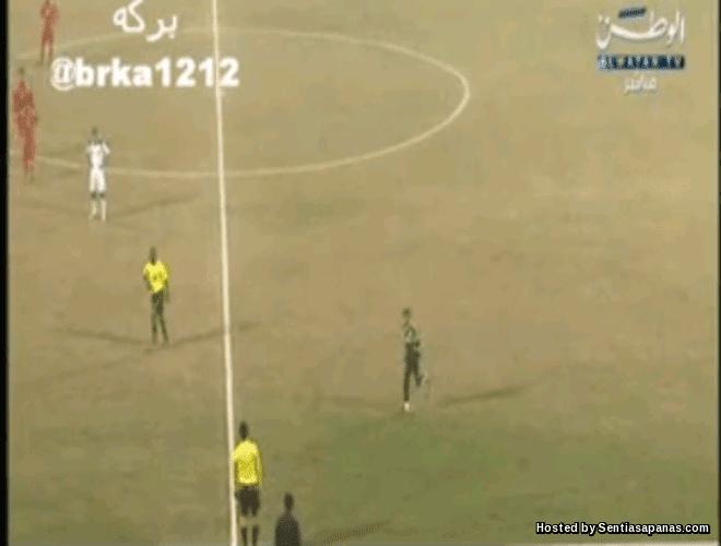 Perlawanan Bola Sepak Terhenti Penjaga Gol Ke Tandas