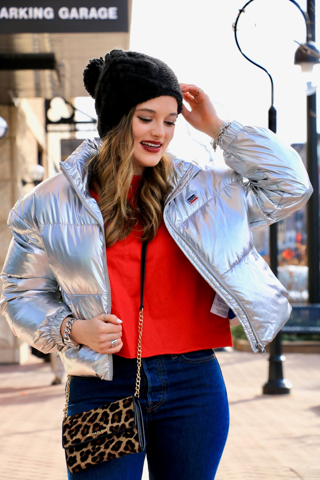 Nyc fashion blogger Kathleen Harper wearing a Levi's silver puffer coat