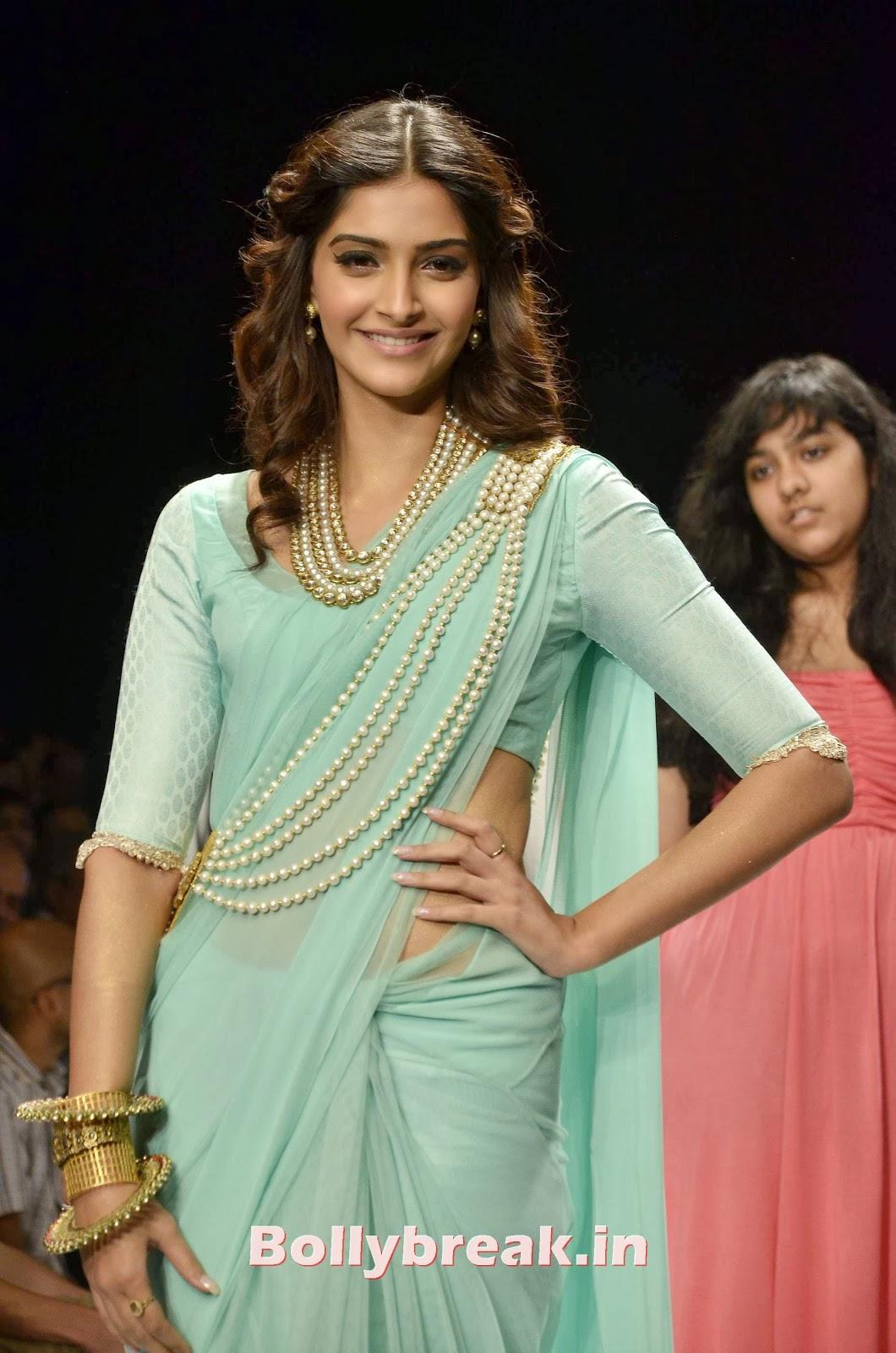 Sonam Kapoor 2013 Hot Pics - 6 Pics-9698