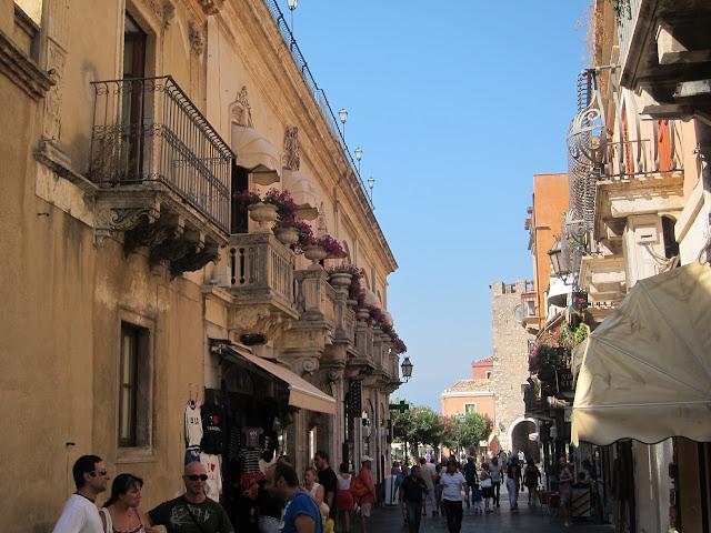 Huvudgatan Corso Umberto i TAORMINA