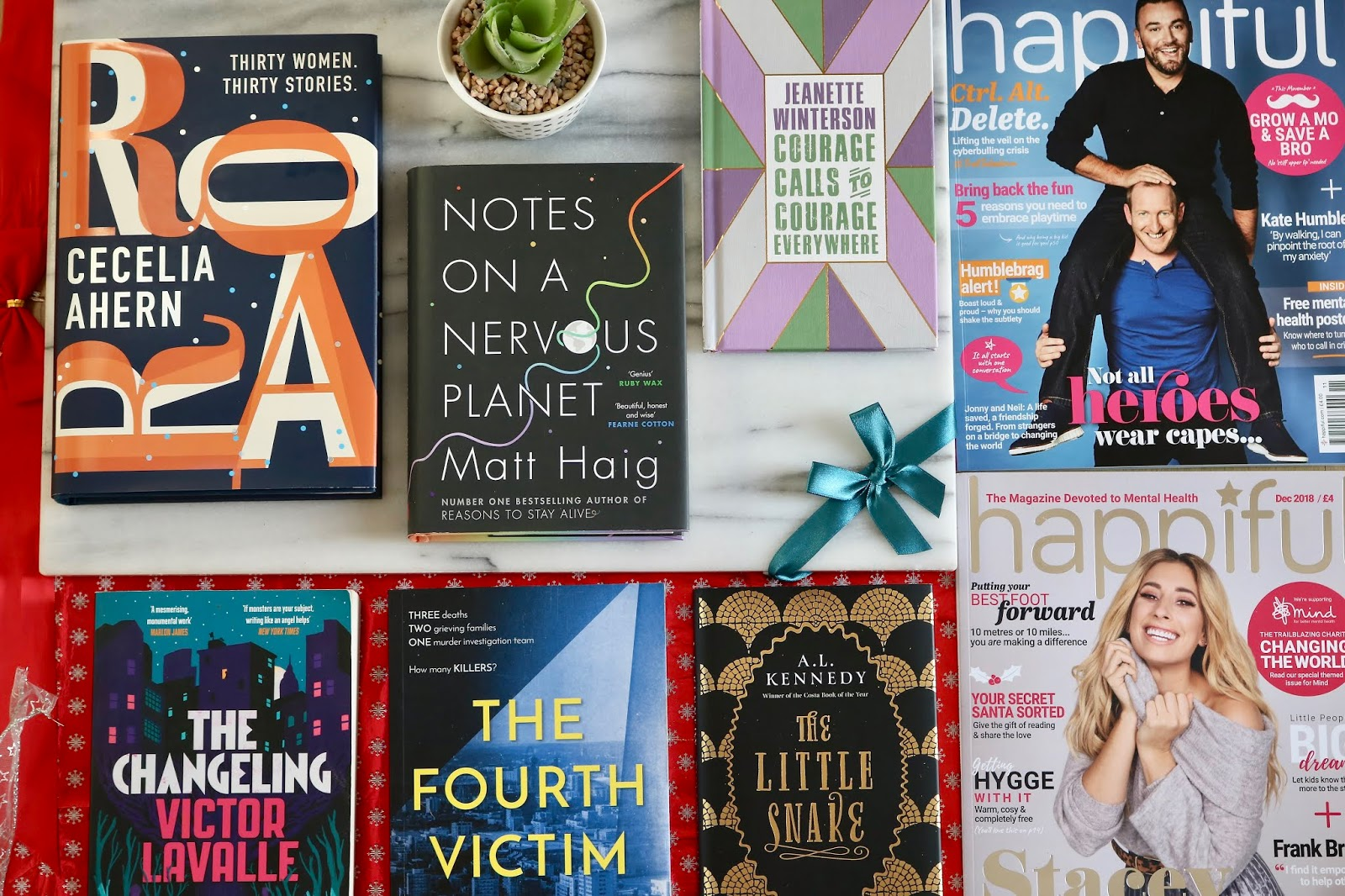 Christmas Gift Guide: Book Worms + A Giveaway!
