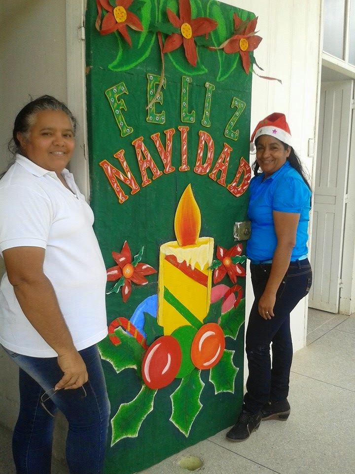 Cajitas de sue os puertas de navidad for Puertas decoradas navidad colegio