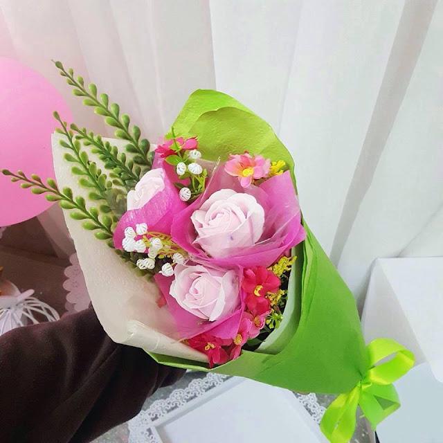 Hoa hong sap thom vinh cuu o Hang Luoc