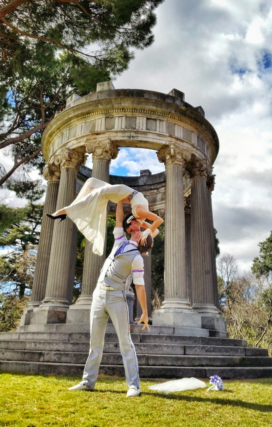 Madrid, Spain - Acrobat Couple Gets Married In 38 Different Places Around The World In 83 Days
