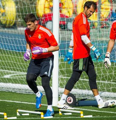 جماهير برشلونة تساند كاسياس