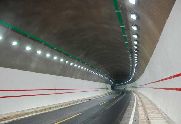 Instalaciones eléctricas residenciales - Efecto agujero negro en túneles vehiculares