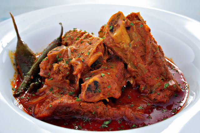 Aad Maas (Pork Bone Curry)