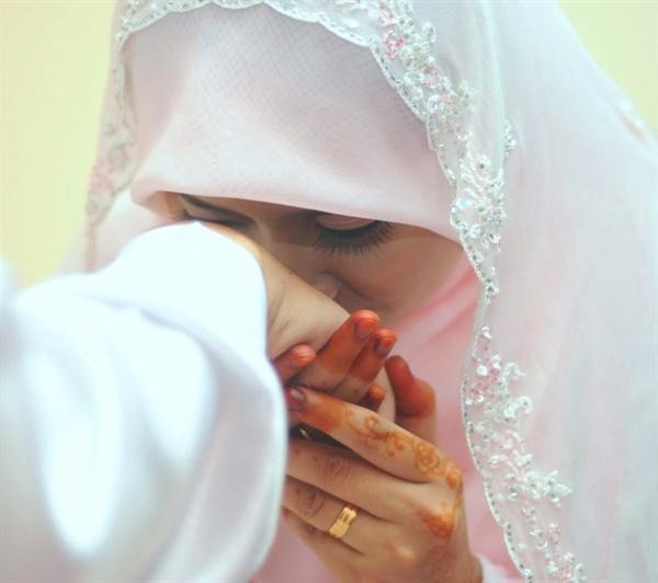 Muslimah, Beginilah Cara Sederhana Bersyukur Kepada Suami