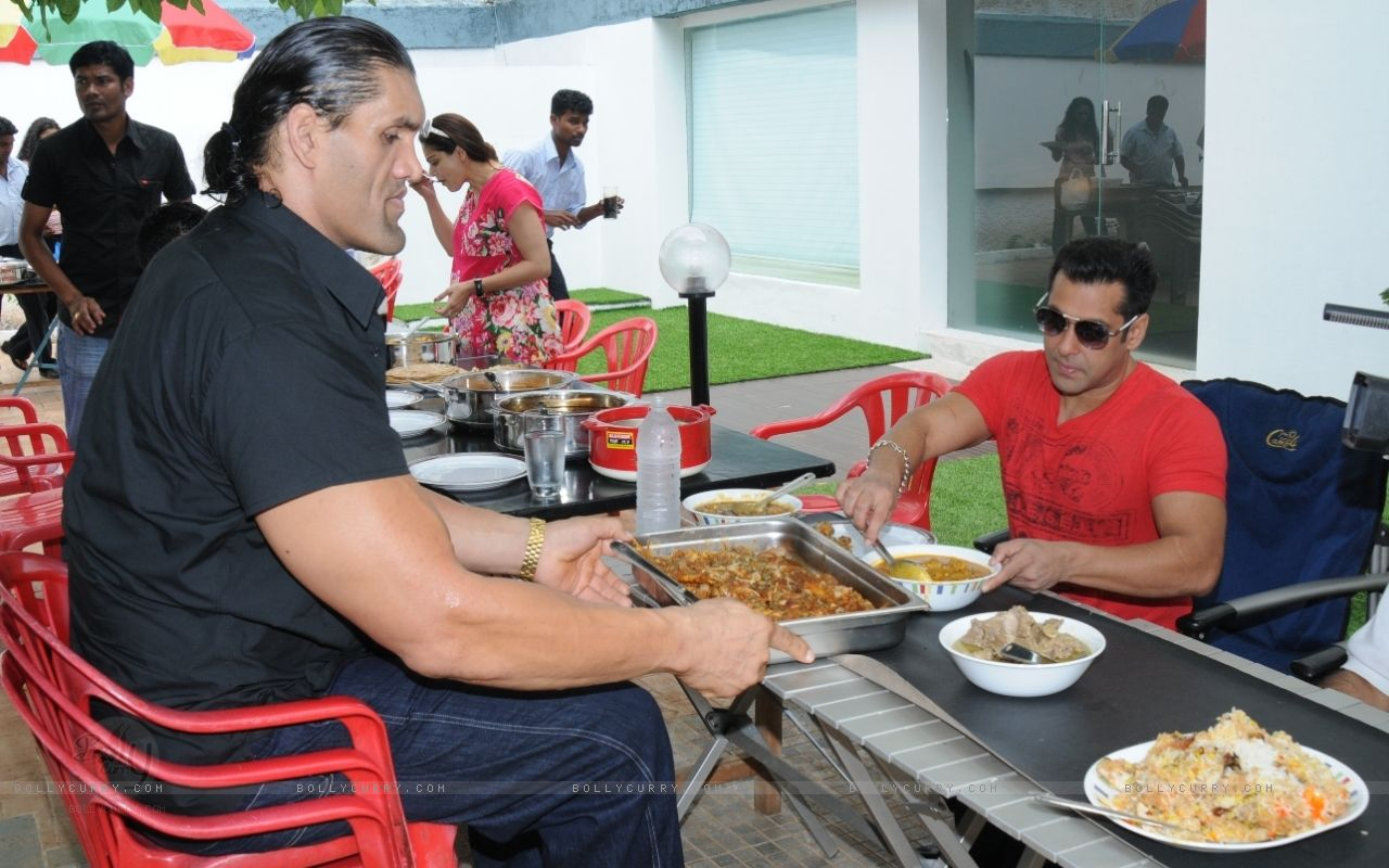 Barbietch The Great Khali With Salman Khan