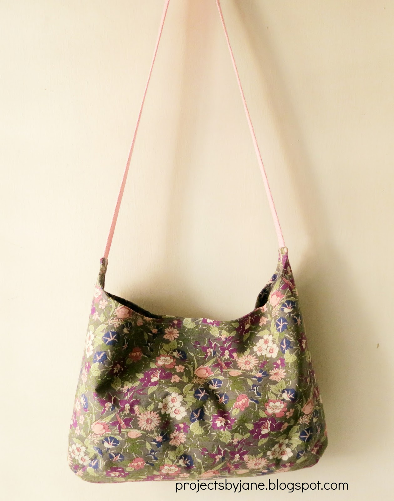 Sling bags and shoulder bags | Projects by Jane