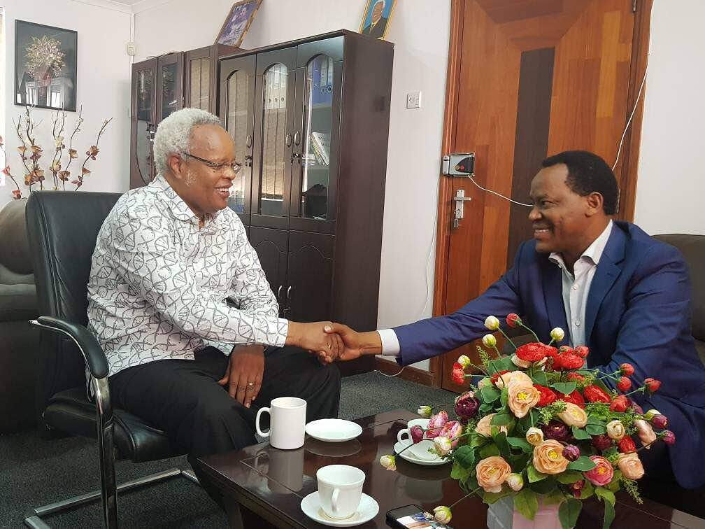 Nyalandu Afanya Maamuzi Ahamua Kumtembelea  Lowasa Ofisini Kwake
