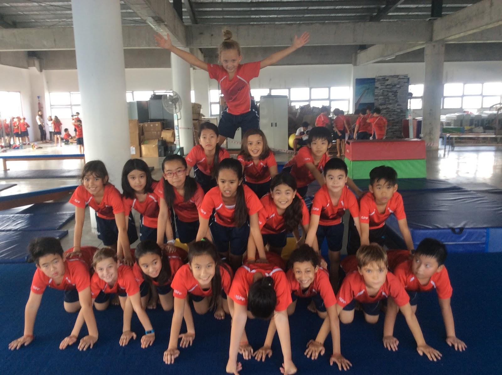 Mr Simon's G4 Class: PE Gymnastics