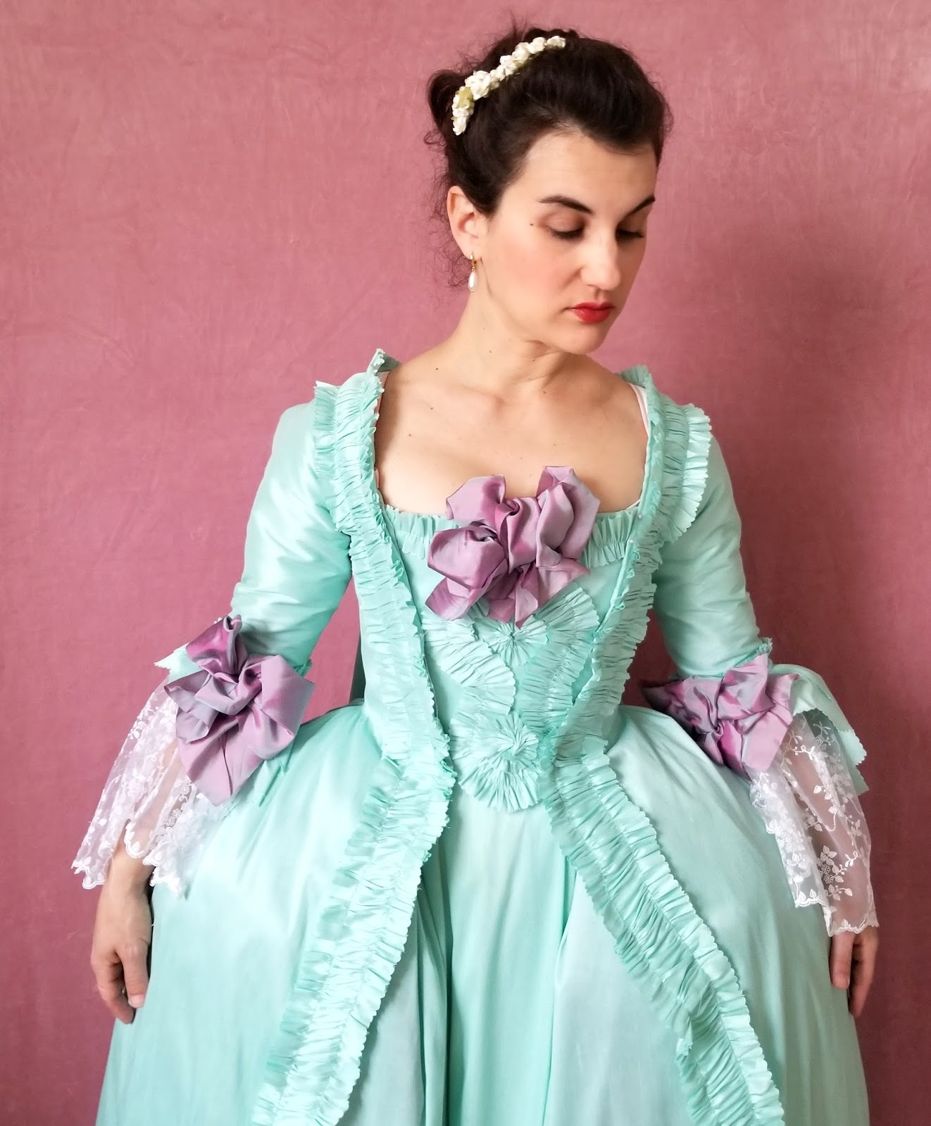 Robe A La Francaise: La Dauphine: Robe A La Francaise