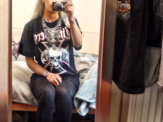 OOTD: Chopper biker tee and statement crystal collar necklace with Mac Viva Glam 1