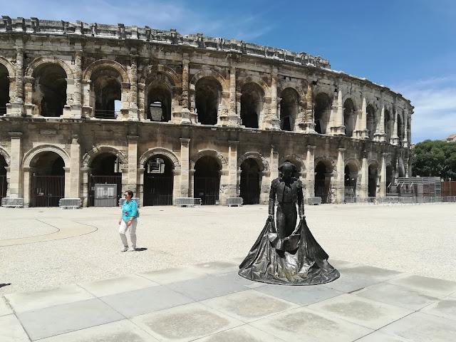 Koloseum, amfiteratr
