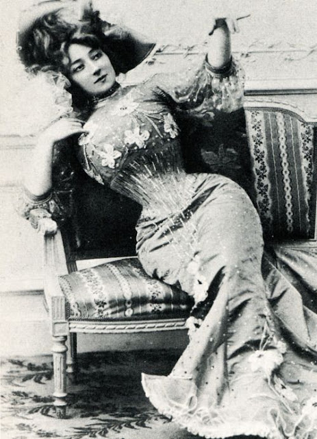 foto wanita tuna susila di jaman dahulu