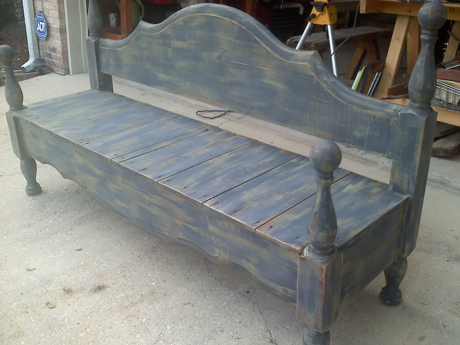 The JUNKtion: Headboard / Footboard Bench