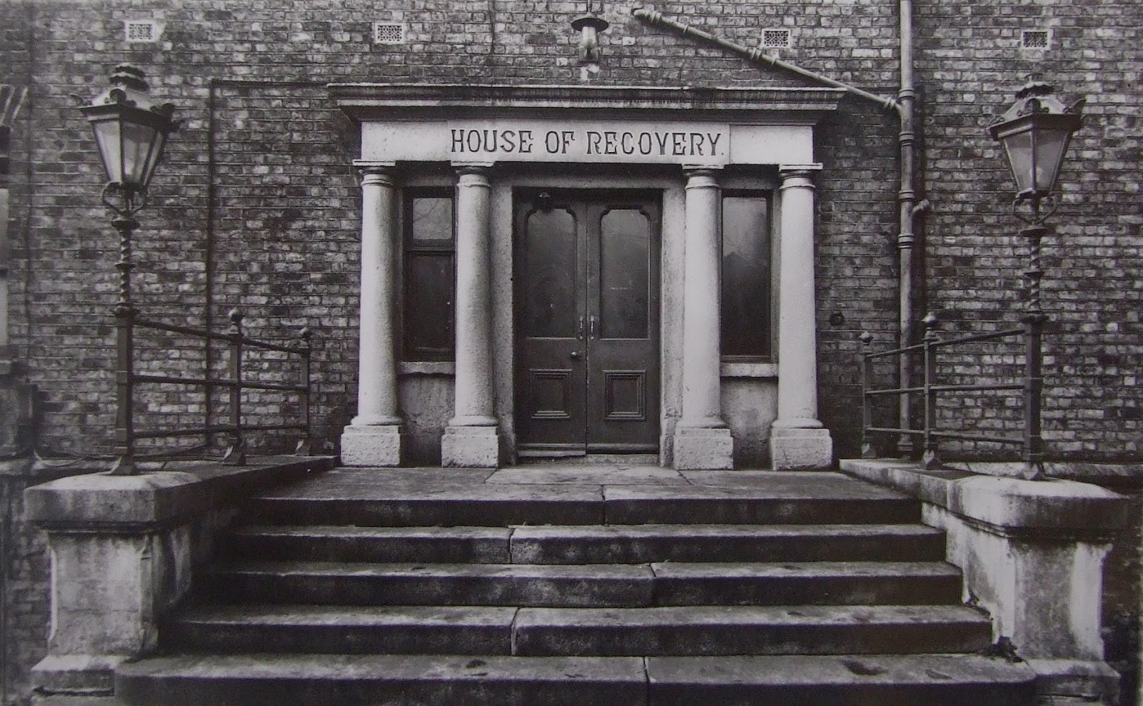 Original entrance to Cork Street Fever Hospital, erected in 1804