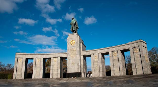 El Monumento Soviético