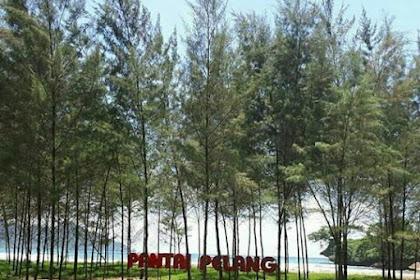 Pantai Pelang di Kecamatan Panggul