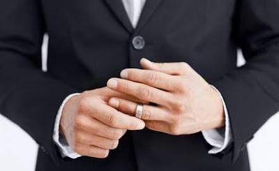 Як подолати потяг до одруженого чоловіка - відповідь психолога