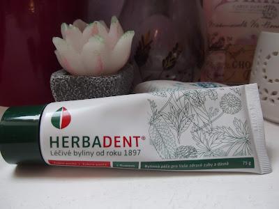 bylinková zubná pasta