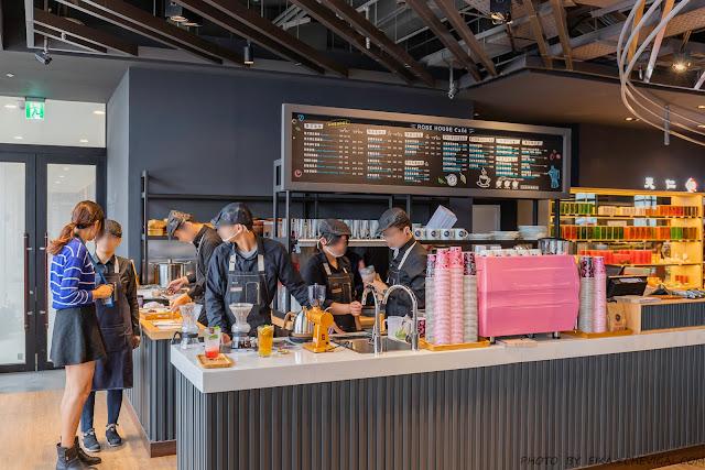 MG 8546 - 熱血採訪│台中最新180度海景咖啡,下午時刻人潮多,舒芙蕾要等半小時的ROSE HOUSE CAFE