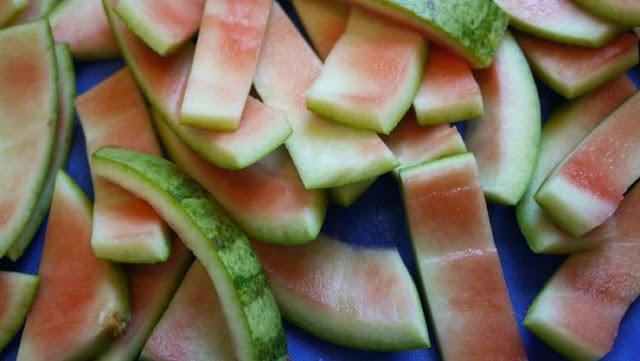 ماذا تعرف عن فوائد قشر البطيخ الاحمر ... لن ترموها بعد الآن أبداً !