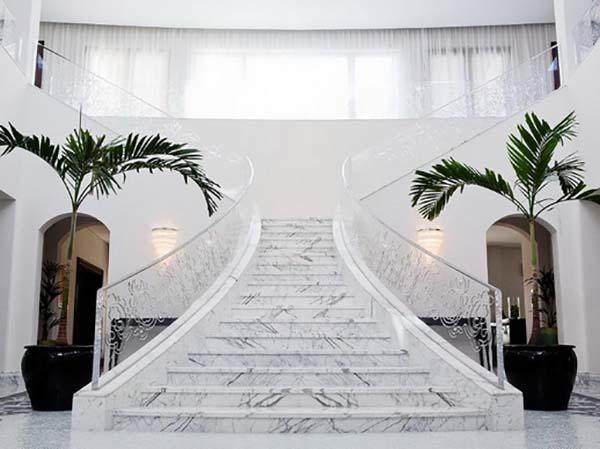đá hoa cương cầu thang trắng