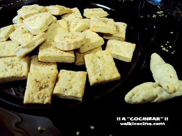 bocaditos de queso semicurado y orégano