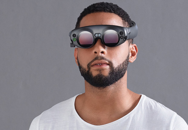 Tinuku The Magic Leap One mixed reality headset is shipping for $2,295