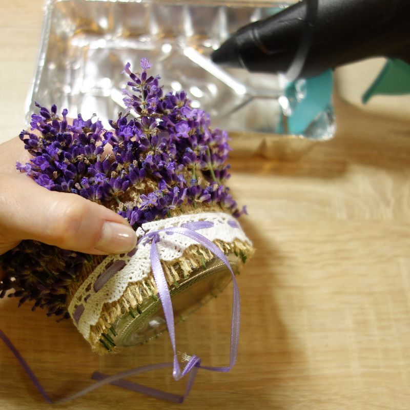 Windlicht basteln, Kerzen, Tischdeko, Teelicht, Lavendel deko, Lavendel deko ideen, lavendel dekoration, lavendel deko basteln, lavendel dekoration selber machen, lavendel deko diy