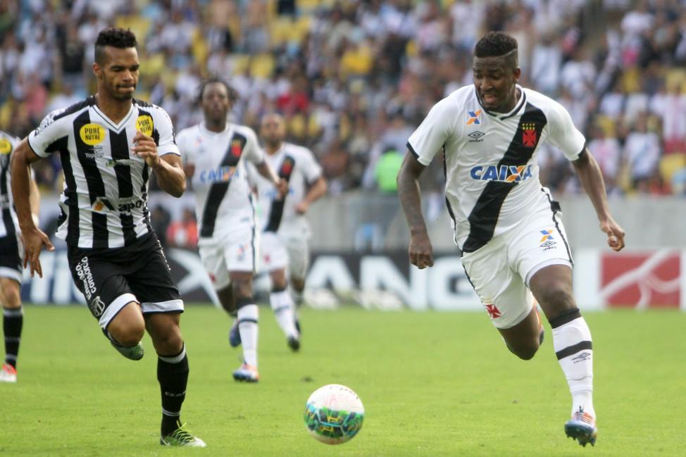 A Série B do Campeonato Brasileiro levou emoção ao torcedor até a última  rodada. Com sete jogos realizados no mesmo horário 3c284e8a2a0f3