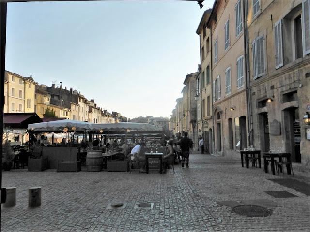 Aix en Provence, Plaza des Forum des Cardeurs